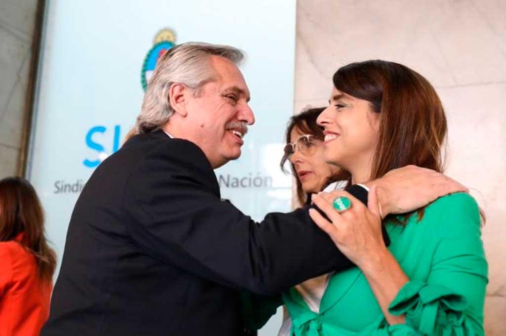 El presidente Alberto Fernández, junto a la titular del INADI, Victoria Donda Crédito: Archivo