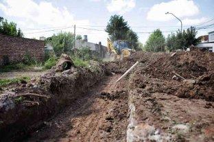 Las obras de cordón cuneta y ripiado en Pompeya tienen casi un 40% de avance