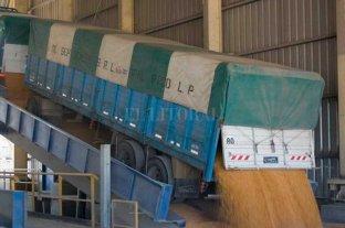 Solucionados los últimos conflictos gremiales, empieza normalizarse la descarga de granos
