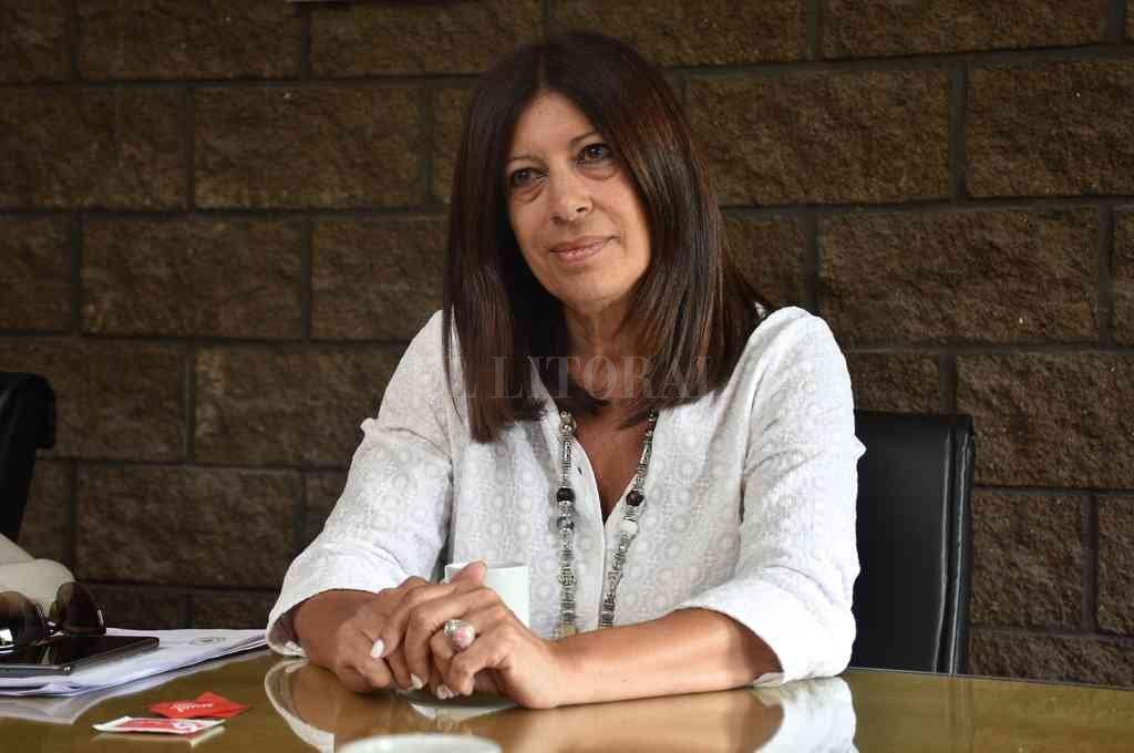 Clara García, la socialista que preside la comisión de Obras y Servicios Públicos donde se encuentran los dos mensajes del Poder Ejecutivo. Crédito: Flavio Raina
