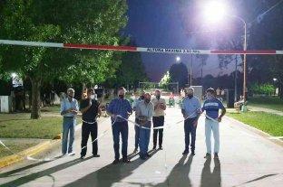 Monigote inauguró su primera calle pavimentada e iluminación led