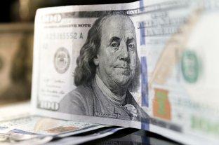 """El dólar oficial opera en alza y el """"blue"""" se vende a $ 156"""