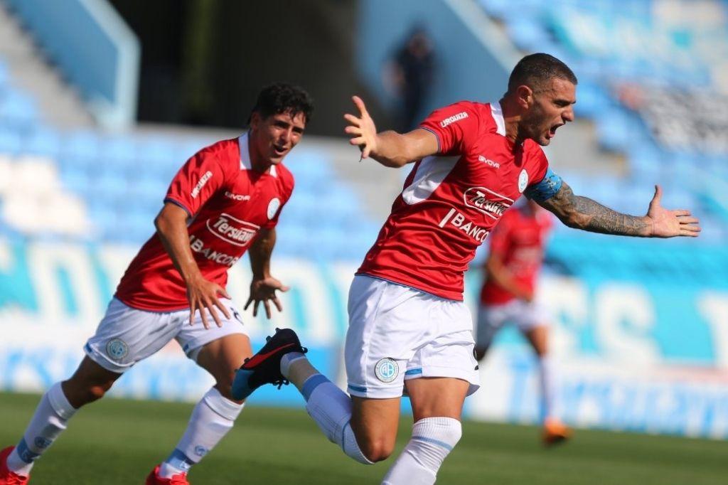 Pablo Vegetti marcó dos goles en el empate 2 a 2 ante Alvarado en la última fecha Crédito: Gentileza