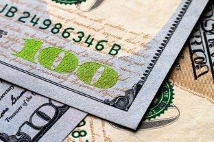 """El dólar oficial abrió estable y el """"blue"""" continúa en $ 156"""
