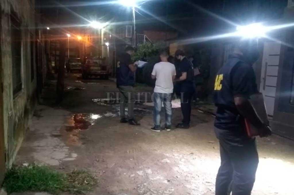 La agresión se produjo la noche del 10 de enero, en Pasaje Público al 3100, en la puerta de la casa de la víctima. Crédito: Archivo El Litoral