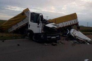 Córdoba: un muerto tras un choque entre dos camiones