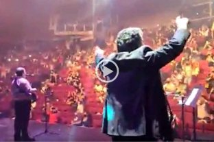 """Video: al ritmo de Los Palmeras, el """"Soy Sabalero"""" se cantó fuerte en Carlos Paz -"""