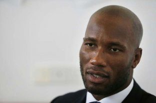 Didier Drogba se separó después de 30 años a raíz de un video en una cama con otra mujer