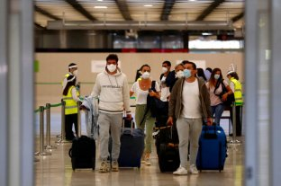 Covid-19: Madrid exige suspender los vuelos con Brasil y Sudáfrica