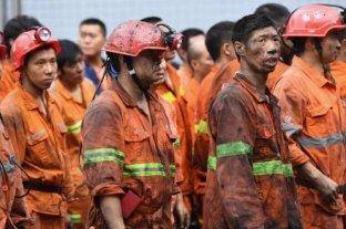 En china 12 mineros están con vida atrapados bajo tierra hace una semana