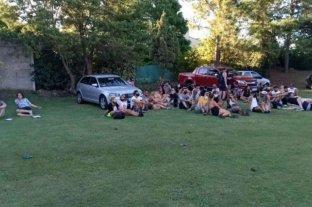 Rosario: fiesta de casamiento y pool party clandestinas
