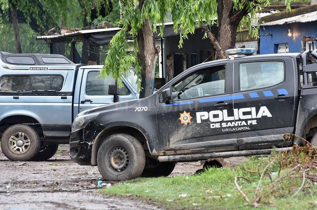 La policía detuvo al hombre en fuga cuando deambulaba por calle Larguía al 7100 de barrio Cabal. Crédito: Archivo El Litoral / Flavio Raina