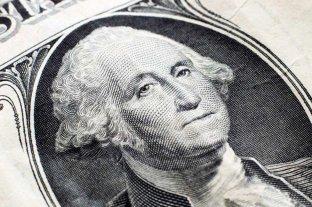 """Dólar hoy: sube en los bancos y el """"ahorro"""" se vendía arriba de los 151 pesos"""
