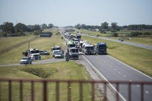 Cámaras empresariales advierten que la protesta de transportistas afecta la distribución y abastecimiento