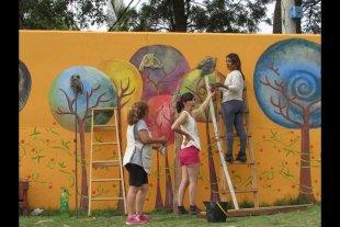 Una galería de arte a cielo abierto cobra forma en la playa de Rincón