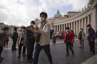 El Vaticano empezó a vacunar contra el coronavirus a personas sin techo de Roma