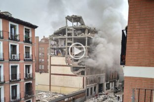 Video: explosión en un edificio en pleno centro de Madrid