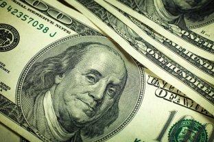 El dólar blue profundizó su baja y cerró a $ 156