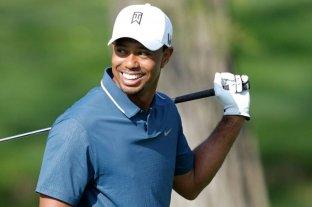 Tiger Woods fue operado de una hernia en la espalda y reaparecerá antes del Masters de Augusta