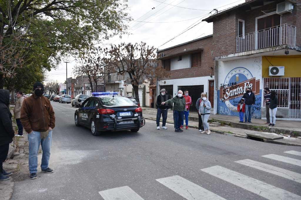 Barrio Roma: zonas más peligrosas, robos y arrebatos, todo en un plano - La foto es de junio de 2020. Los vecinos se manifestaron por los reiterados hechos de inseguridad.  -