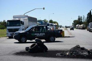 Protesta de transportistas: el gobierno de Santa Fe no permitirá cortes de ruta -  -
