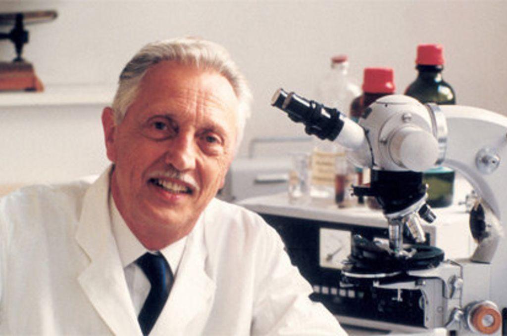 Lejeune, que fue amigo personal de Juan Pablo II, fue el primer científico que detectó con sus investigaciones ese trastorno prenatal que causa en algunos casos abortos. Crédito: Fundación Jérôme Lejeune