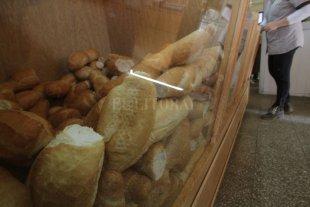 Desde este sábado, el kilo de pan común costará $ 130