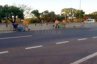 Continúan los trabajos de limpieza en el cantero central de la Ruta 168