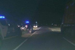 Mueren dos adolescentes y un hombre que chocaron en moto