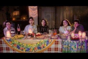 """Una catarsis en movimiento - La fiesta """"felistriste"""": Cami Bustillo, Chane Pérez, Cami Rodríguez, Isabel Palomeque y Julia Guerriero. -"""