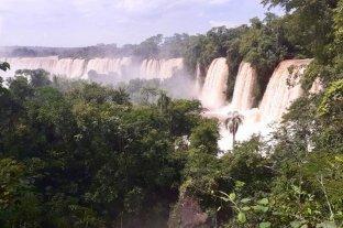 Las Cataratas del Iguazú duplicaron su caudal y ofrecen una vista espectacular