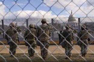 Más de 150 guardias nacionales que custodiaron la asunción de Biden tienen coronavirus