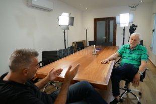 """Vignatti en modo Biden: """"Colón es más grande que los Estados Unidos"""" - Cámara, luz, Vignatti. A solas, el presidente de Colón, José Néstor Vignatti, mano a mano con El Litoral. Más de una hora de charla, todos los temas y varias frases para analizar. Hoy, a las 21, se podrá ver la entrevista por C&D, el canal de TV de El Litoral."""