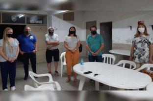 Reunión de Florito con vecinos de Centenario