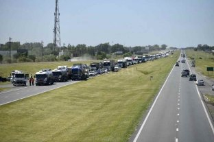 """Carlucci: """"El paro de los transportistas continúa"""""""