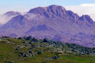 Rescatarían con helicóptero a un montañista en el Cerro Champaquí