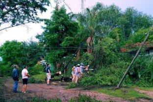 Voladuras de techos, caída de postes y árboles por una tormenta en las Sierras Chicas de Córdoba