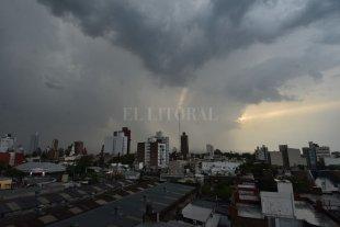 """Alerta meteorológico """"naranja"""" para la ciudad de Santa Fe por tormentas fuertes -"""