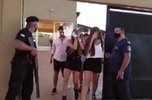 Por el video de una fiesta clandestina se enteró que su novia era infiel