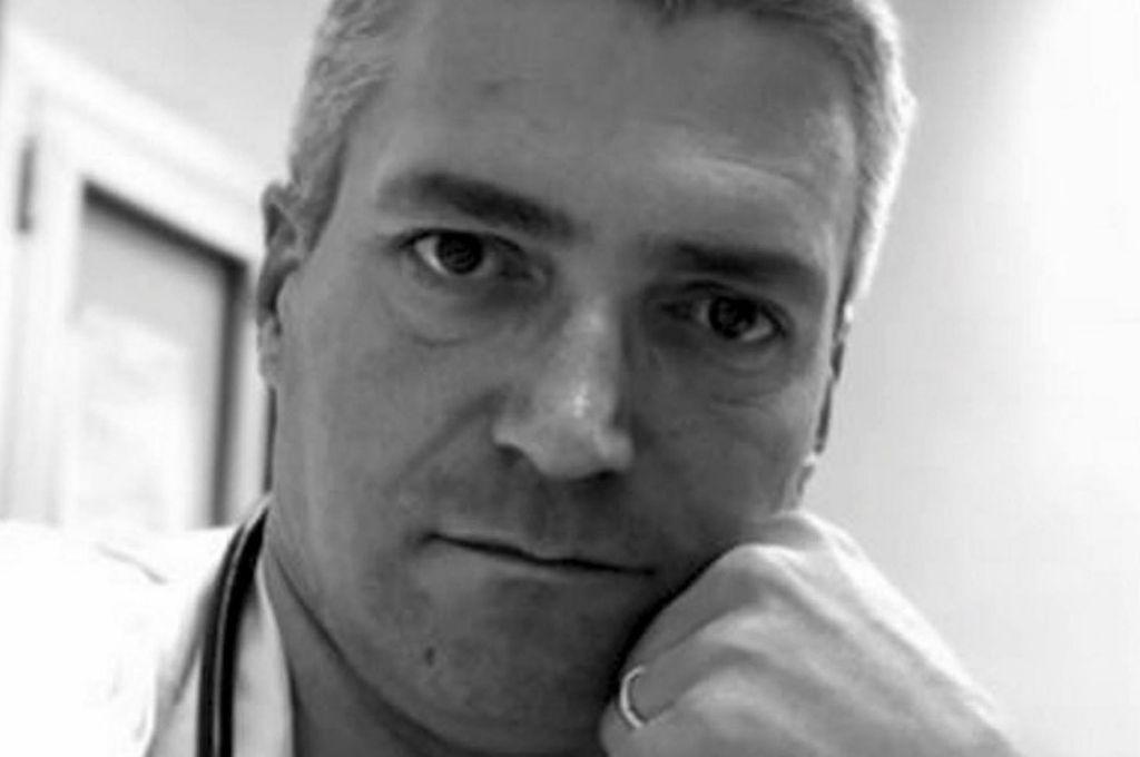 Médico es acusado de matar pacientes con COVID-19 para
