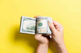 Paso a paso, cómo pedir a la AFIP la devolución del 35% por la compra de dólar ahorro o gastos con tarjeta -