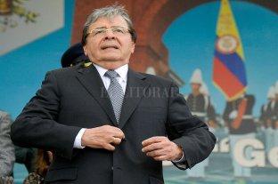 Falleció por coronavirus el ministro de Defensa de Colombia