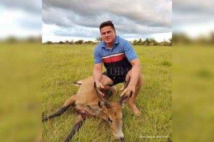 Corrientes: mató a un ciervo de los pantanos y publicó la foto en sus redes