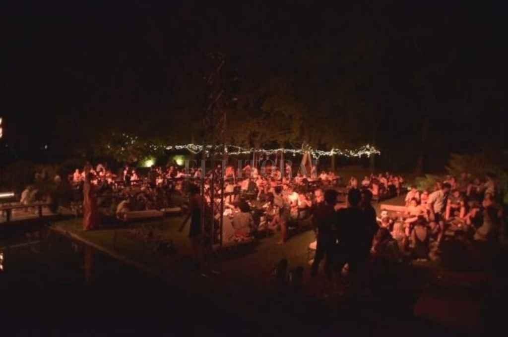 Según el informe, en la fiesta había aproximadamente 400 personas. Crédito: Gentileza