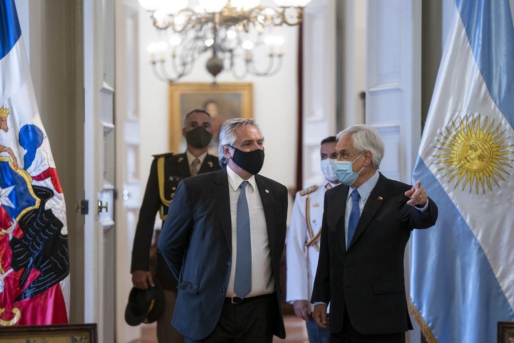 Alberto Fernández con Piñera. Crédito: NA