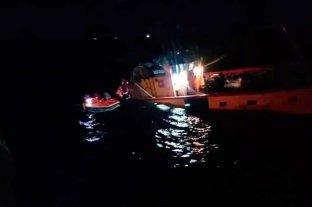 Se hundió un barco en el mar a la altura de Río Negro y pudieron rescatar a los tripulantes