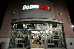 Un grupo de jóvenes logró burlar a Wall Street y rescató de la quiebra a la empresa GameStop