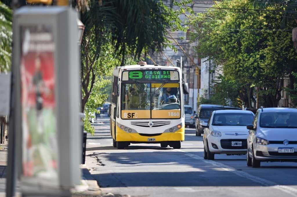 Más caro. Mientras se planifica una reestructuración del sistema, con cambios de recorridos, se aumentó la tarifa. Crédito: Pablo Aguirre