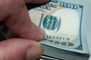 """El dólar """"ahorro"""" aumenta y se acerca a los $ 158 y el """"blue"""" se mantiene en $ 147"""