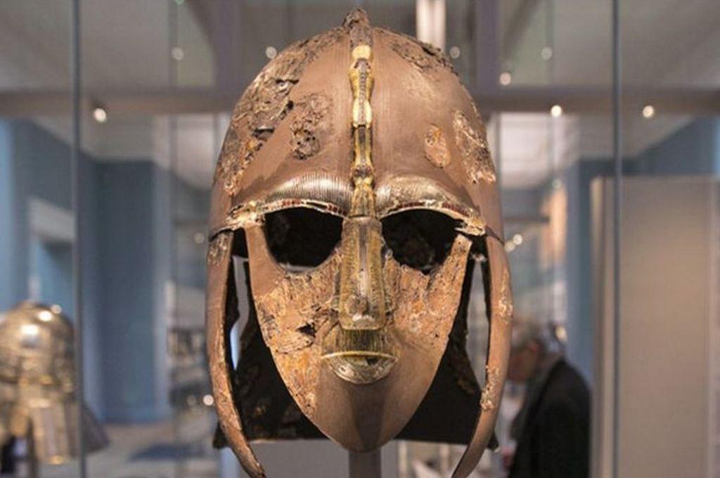 Casco de Sutton Hoo - Museo Británico de Londres Crédito: Getty